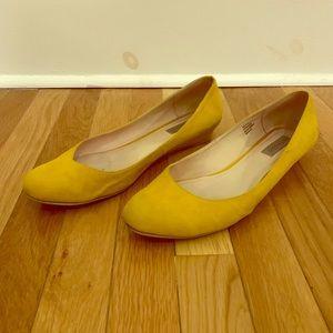 Nisolo Mendez Mustard Yellow Wedge Flats